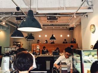 前檯點餐區,甜點每日櫃內展示銷售為主 Göngōng Kouples | Gongong Kouples (@gongongkouples) Fika Fika Cafe