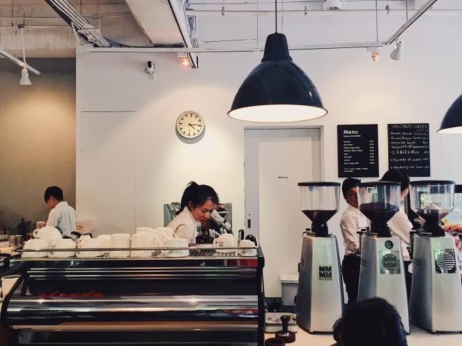 中島式咖啡吧台